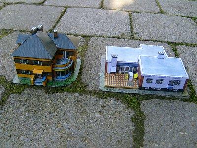 Häuser Modell Einer Bauhaus Villa Aus Den 20er Jahren Und Eines Modernen  Wohnhauses. Autor: Richard Vyskovsky Maßstab Ca. 1:150. Gebaut Im Februar  2009.